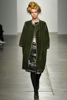 Guarda la sfilata di moda A Détacher a New York e scopri la collezione di abiti e accessori per la stagione Collezioni Autunno Inverno 2015-16.