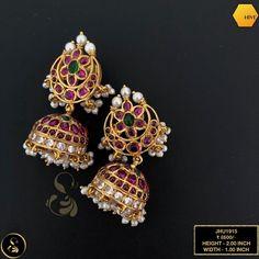 Grab this stunningly beautiful antique moon shaped kemp jhumka earrings. Gold Jhumka Earrings, Indian Jewelry Earrings, Buy Earrings, Gold Earrings Designs, Agate Jewelry, Antique Earrings, Temple Jewellery, Bridal Jewellery, Jewelery