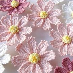 Watch The Video Splendid Crochet a Puff Flower Ideas. Phenomenal Crochet a Puff Flower Ideas. Appliques Au Crochet, Crochet Motifs, Crochet Flower Patterns, Crochet Stitches, Crochet Designs, Crochet Crafts, Crochet Yarn, Easy Crochet, Simply Crochet