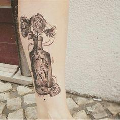 Tattoo, GirlsTattoo, Roses, Dots, DotsTattoo, bee