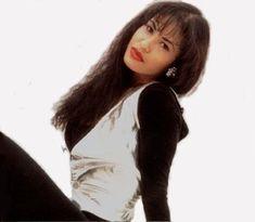 Pictures Selena  | Selena-selena-quintanilla-perez-6287891-380-331.jpg