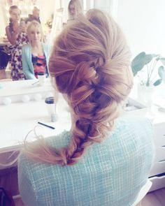 Dzień dobry  Kto się dziś leni a kto pracuje?  #hello #saturday #timetowork #beautiful #morning #sobota #fryzuryslubne #czasstart #warkocz #blondynka #inspiracja #hairinspo #blonde #polishgirl #hairphoto #braid #hotd #love #hair #fashion #style #weddinghair #ilovemyjob #wlosomaniaczka #wpracy #instahair #hairofig #braidideas #inspiration