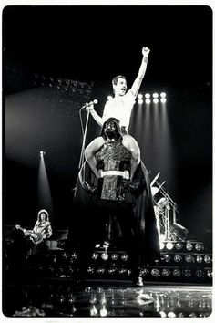 queen on top of vader - Google-søk