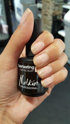 Vernis Semi Permanent Melkior Ever Young - Ever Sun #melkiorprofessional_corse #nailart #semipermanent #trend #glitter #nude #beauty #corsica