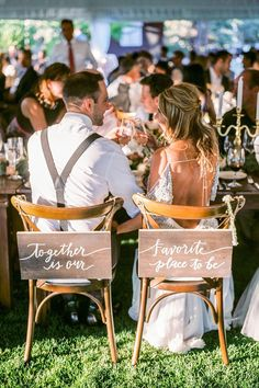wedding photo ideas couple moments must take bride and groom at the table gabriela ines photography