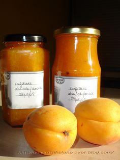 Cette recette date un peu, comme vous pouvez le voir sur les étiquettes de mes pots de confitures... Mais comme elle à nouveau de saison et que nous l'avions beaucoup apprécié, je vous propose cette recette de confiture d'abricots à l'amande, rapide à...