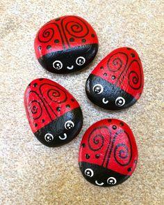 Se acerca la primavera #catarinas #mariquitas #catarina #ladybug #ladybugs #spring #paintedrocks #rockart #pintadoamano #hechoamano #hechopormexicanos #manosmexicanas #artesania