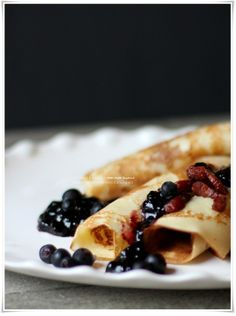 Pancakes with blueberry jam and bacon - from my blog Miss Mette  http://mettesinlilleverden.blogspot.no/2013/02/pannekaker-med-blabrsyltety.html#