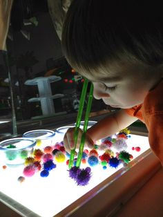 Epic Childhood - Reggio, Light Table Play, and Light Play: Light table exploration Indoor Activities For Kids, Infant Activities, Summer Activities, Family Activities, Light Table For Kids, Tv Diy, Space Theme Preschool, Preschool Class, Toddler Themes