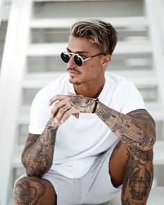trend fashion, trend fashion for men, tattoos for men, covering tattoo Johnny Edlind, Johnny Depp, Mens Hairstyles With Beard, Haircuts For Men, Boy Tattoos, Tattoos For Guys, Hommes Sexy, Stylish Men, Beautiful Men