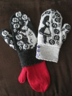 Alice in Wonderland Mittens by Jennifer Lang knitting pattern on… Mittens Pattern, Knit Mittens, Knitted Gloves, Knitting Socks, Hand Knitting, Fingerless Mittens, Loom Knitting, Knitting Machine, Vintage Knitting