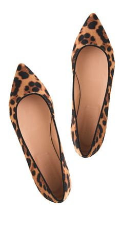 LITERALLY. the only thing i want right now. cheetah flats. #gimme