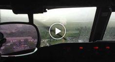 A Dificuldade De Aterrar Um Avião Durante Uma Chuva Torrencial
