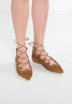 https://www.zalando.de/pretty-ballerinas-klassische-ballerina-texas-pr111a0cs-b11.html