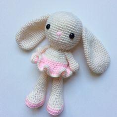 Handmade crochet bunny. Etsy shop: DiorLauryn