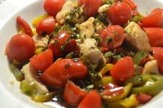 Salade poulet poivrons tomates préparation cookeo; Une recette cookeo de salade de poulet avec des tomates et des poivrons . Caprese Salad, Fruit Salad, Kung Pao Chicken, Bruschetta, Ethnic Recipes, Food, Cake, Turkey Cutlets, Tomatoes