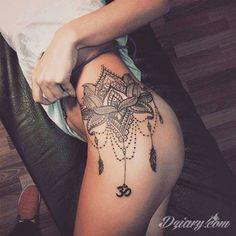 """""""ale tatuażowy motyw na udzie"""""""