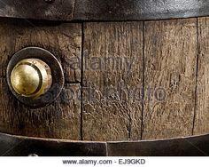 Související obrázek Barrels, Door Handles, Doors, Home Decor, Decoration Home, Room Decor, Door Knobs, Barrel, Doorway