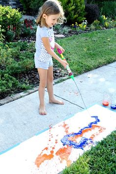 Painting with water shooters-Summer Art for Kids Outside Activities For Kids, Creative Activities For Kids, Summer Activities For Kids, Creative Kids, Summer Kids, Preschool Activities, Outdoor Activities, Summer Art Projects, Projects For Kids