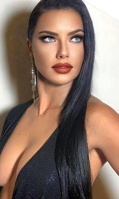 Beautiful Women Pictures, Beautiful Girl Photo, Beautiful Eyes, Gorgeous Women, Gal Gadot Wonder Woman, Beautiful Figure, Model Face, Brunette Beauty, Girls Makeup