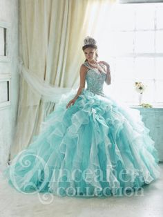Pastel shades of blue remind us of the sea foam on the beach. A complementary color to this lovely sea foam blue is a blush pink, which make this color scheme perfect for an elegantTiffany quinceanera themeor anunder the sea theme.