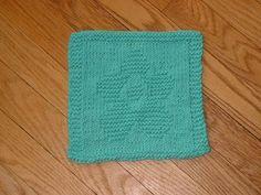 Free+Knitting+Pattern+-+Dishcloths+&+Washcloths+:+Flower+Cloth