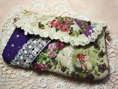 Nice little clutch Crazy Patchwork, Patchwork Bags, Quilted Bag, Crazy Quilting, Handmade Purses, Handmade Handbags, Lace Purse, Boho Bags, Linens And Lace