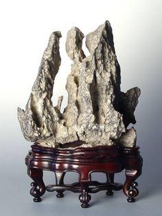 Chinese Gongshi - 40cm x 12cm x 28cm.
