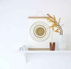Herbst auf dem Küchenbord  #einrichtung #interior #deko #dekoration #decoration #wohnen #living #tischdeko #herbst #küche #kitchen #vase #ilex #kerze #candle Foto: kosmea