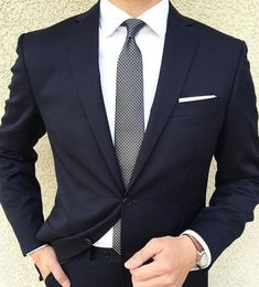 Custom Made Dark Navy Blue Wedding Prom Dinner Suits For Men 2 Pieces Slim Fit Groom Tuxedos Best Man Suit blazer masculino Formal Suits, Men Formal, Formal Wear, Sharp Dressed Man, Well Dressed Men, Mens Fashion Suits, Mens Suits, Fashion Mode, Fashion Outfits