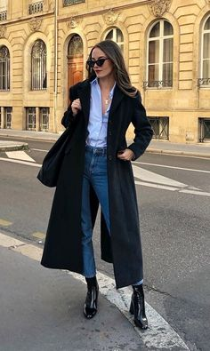 Blue shirt with buttons + jeans + long black coat + black ankle boots . Blue shirt with buttons + jeans + long black coat + black ankle boots , Blue button down shirt + jeans +. Mode Outfits, Casual Outfits, Fashion Outfits, Womens Fashion, Jackets Fashion, Dress Fashion, Dress Outfits, Dresses, Looks Style