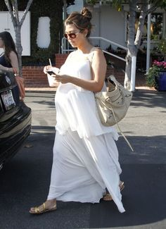 Pregnant Kourtney Kardashian Shopping At Fred Segal In White Dress. GORGEOUS!