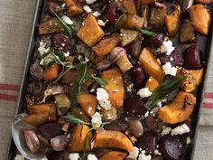 Plaaskombuis 4 - Oondgebakte knolgroente Afrikaans, Pot Roast, Ethnic Recipes, Food, Carne Asada, Roast Beef, Essen, Meals, Yemek