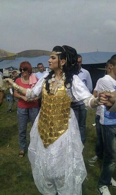 Bride wear white traditional clothes (Kat) and gold Jewellery - Sandzak