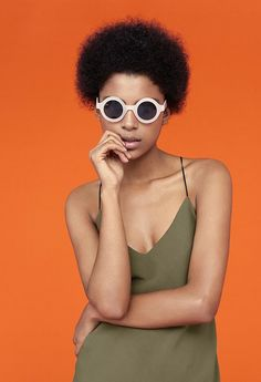 Discover the new Spring Summer 2020 collection for women and men at PULL&BEAR. Discover the latest trends in clothing, shoes and accessories. Tropical, Pull N Bear, Army Green, Color Mixing, Soft Fabrics, Round Sunglasses, Portrait, Inspiration, Acting
