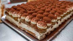 Tiramisu au Thermomix, un bon dessert de la cuisine italienne, à base de la crème au mascarpone et de boudoirs imbibés au café, très facile à réaliser et parfait pour finir votre repas en beauté.
