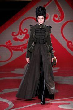 DÉFILÉ HAUTE COUTURE ULYANA SERGEENKO AUTOMNE-HIVER 2012-2013 Haute Couture,  Créateur De e6b04546e6e7