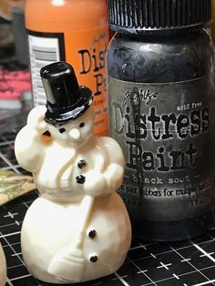 I'm back today with a Mini Tutorial for a vintage inspired Tim Holtz Idea-ology Salvaged Snowman. I am also posting another tutorial today that includes the little guy, but if I ha… Christmas Makes, Christmas And New Year, Christmas Time, Vintage Christmas, Christmas Stuff, Retro Christmas Decorations, Diy Christmas Ornaments, Christmas Art Projects, Holiday Crafts