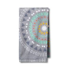 Medallion Terry Kitchen Towel Gray ($2.50) ❤ liked on Polyvore featuring home, kitchen & dining, kitchen linens, grey, room essentials, terry kitchen towels, terry tea towels, terry cloth dish towels and terry dish towels