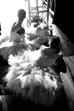 San Francisco Ballet backstage in New York (© Erik Tomasson)