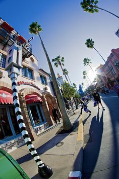 Hollywood Boulevard in Hollywood Studios, Walt Disney World Disney World Parks, Walt Disney World Vacations, Disney Trips, Walt Disney Land, Disney World Hollywood Studios, Hollywood Boulevard, Disney Aesthetic, Disney Pictures, Beach Resorts