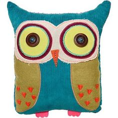 I love these owl pillows made from scap material :) I need to make some of these for my chi o quad next year.