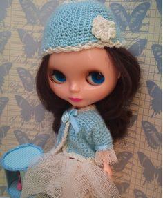 Sky blue cardigan for Blythe