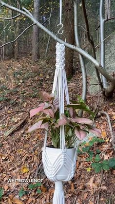 Macrame Plant Hangers, Macrame Plant Hanger Patterns, Macrame Patterns, Macrame Design, Macrame Art, Macrame Projects, Macrame Tutorial, Creations, Hanging Baskets