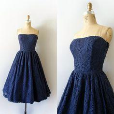 026569f1f8e0 25 najlepších obrázkov z nástenky Široké šaty v štýle vintage ...