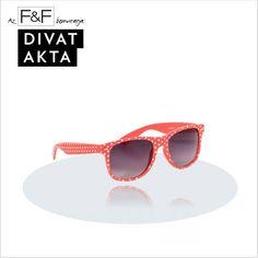 Zomerse polka dot wedding? Geef een polka dot zonnebril weg als bedankje of als give away item tijdens je bruiloft!
