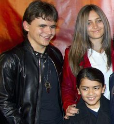 Prince (age 14), Paris (age 13) and Blanket Jackson (age 9) in 2011