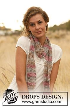"DROPS 127-26 - Knitted DROPS scarf with lace pattern in ""Fabel"". - Free pattern by DROPS Design"