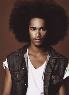 I feel like guys' hair always grows faster than their female counterparts. Regardless, this is an impressive fro.