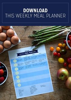 This is a great printable meal planner. It helps you map out a week's worth of meals and snacks to keep you on track. Great for saving money and losing weight.